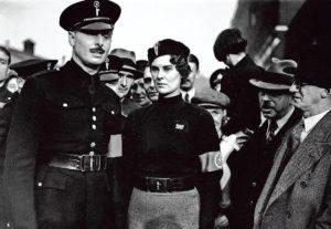 Mosely ad un meeting dei fascisti inglesi negli anni Trenta.